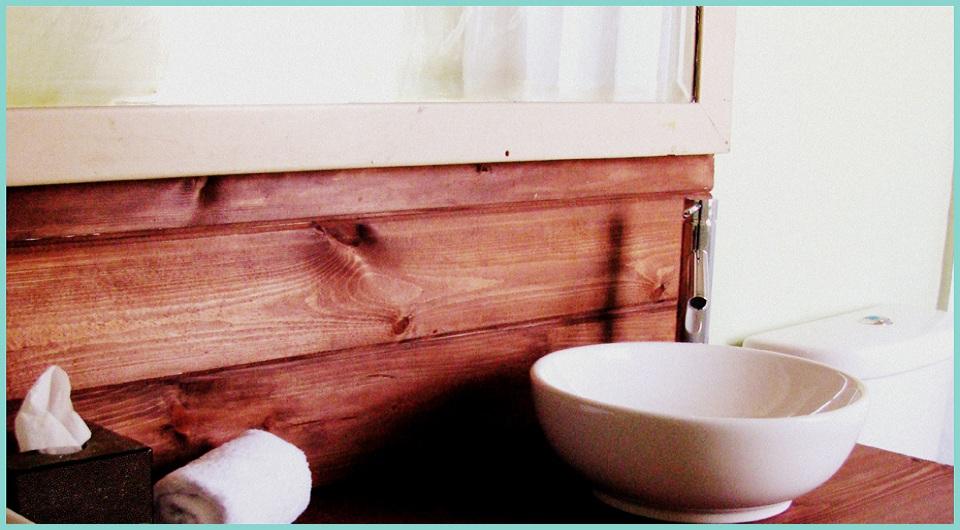 BATH CIN DETAIL_FRAMED